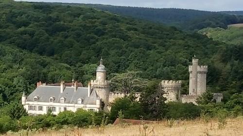 Vue du château de Veauce