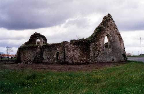 La Chapelle en 1993 après avoir été dégagée