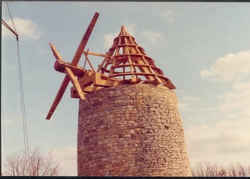 Moulin à Vent St Chels 1976 restauration charpente et mécanisme arbre moteur ailes