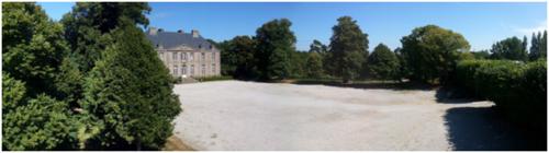 Château de Carneville - cour d'honneur