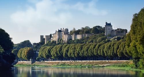 La Forteresse royale de Chinon et le Vienne