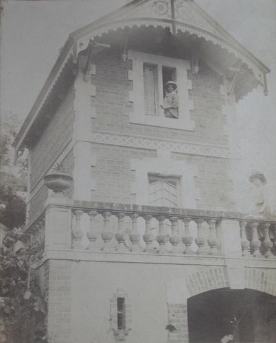 Le pavillon, vers 1908