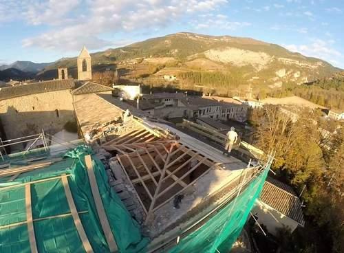 travaux toiture ancien monastere Sainte-Croix