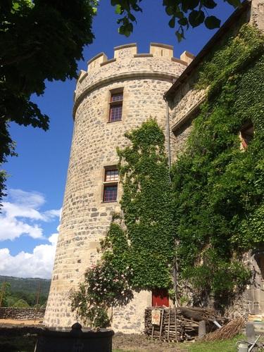 La Tour des Reines : la chambre de Catherine de Médicis au 1er et de Marguerite de Valois au 2nd
