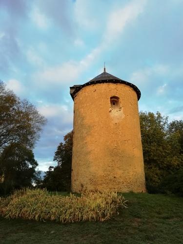 Le moulin tel qu'il est vu de la route