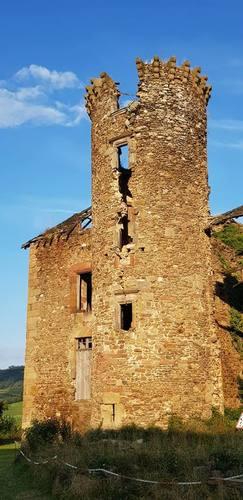 Château de Pagax : tour de l'escalier