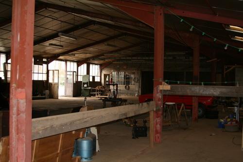 Intérieur du hangar avant travaux