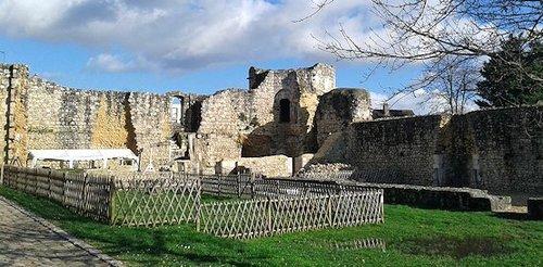 La cour du château - emplacement de la loge