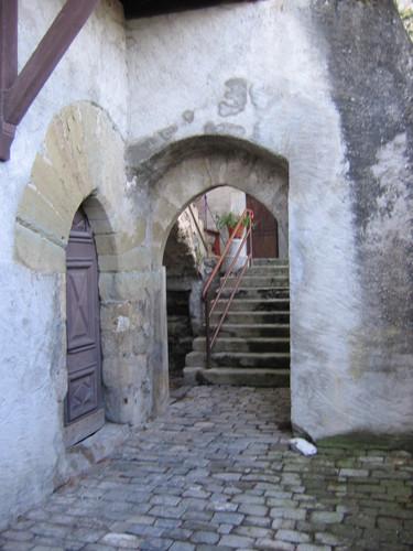 Passage et escalier Nord-Sud