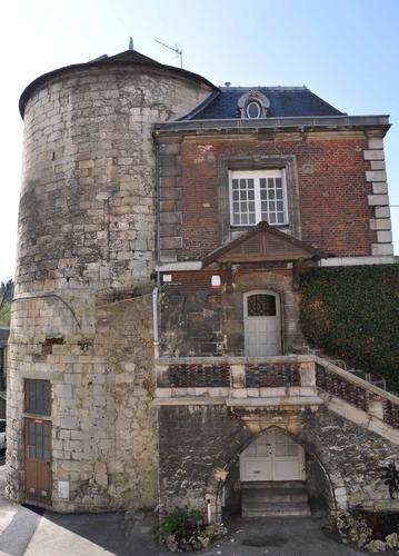 Tour ouest du château de Creil