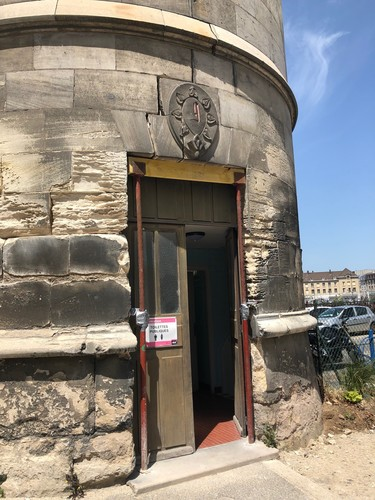 tour néo-gothique du château de Creil