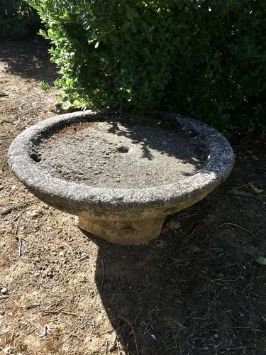 La fontaine à restaurer