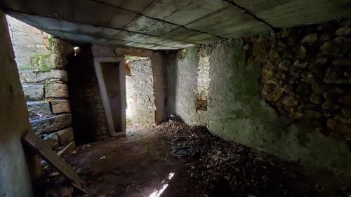 Le sarcophage dans la maçonnerie au niveau-1