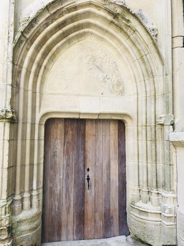 Porte d'entrée restaurée en 2020