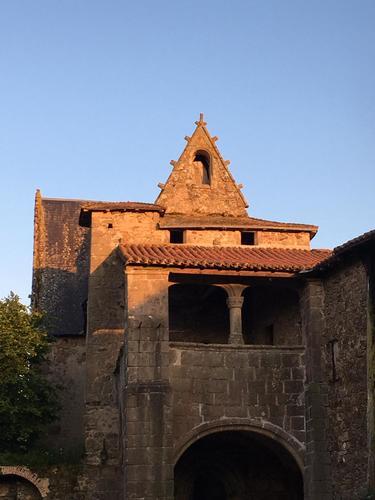 La loggia et la chapelle en arrière-plan