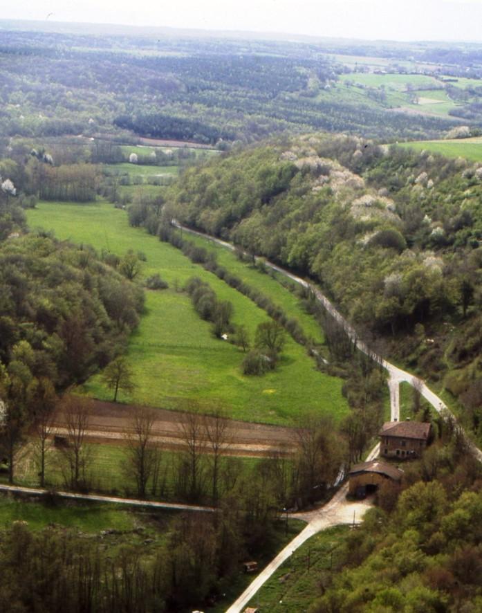 5 vue a%c3%a9rienne du site de l'abbaye de bonnevaux  is%c3%a8re